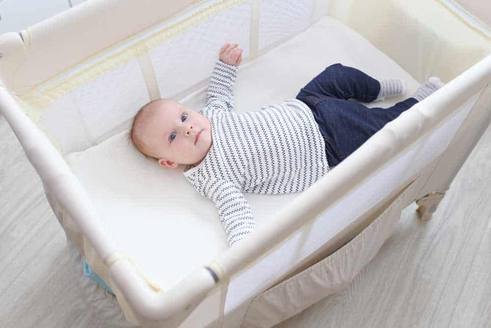 7 Best Baby Travel Beds | 2021 Reviews